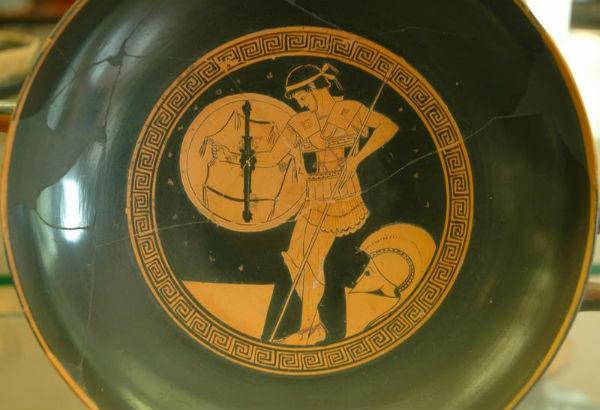 Древнегреческие орудия и защиты
