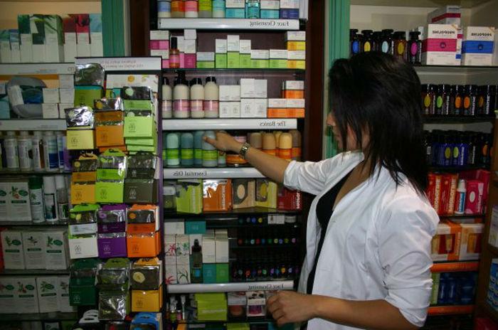 В афинских аптеках