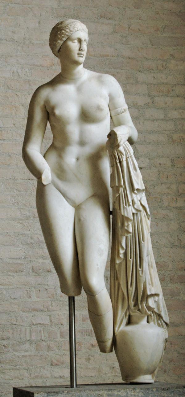 Древнегреческая скульптура части тела с